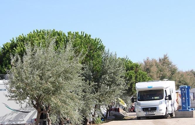 AIRE DE SERVICES POUR CAMPING-CARS 1 - Fleury